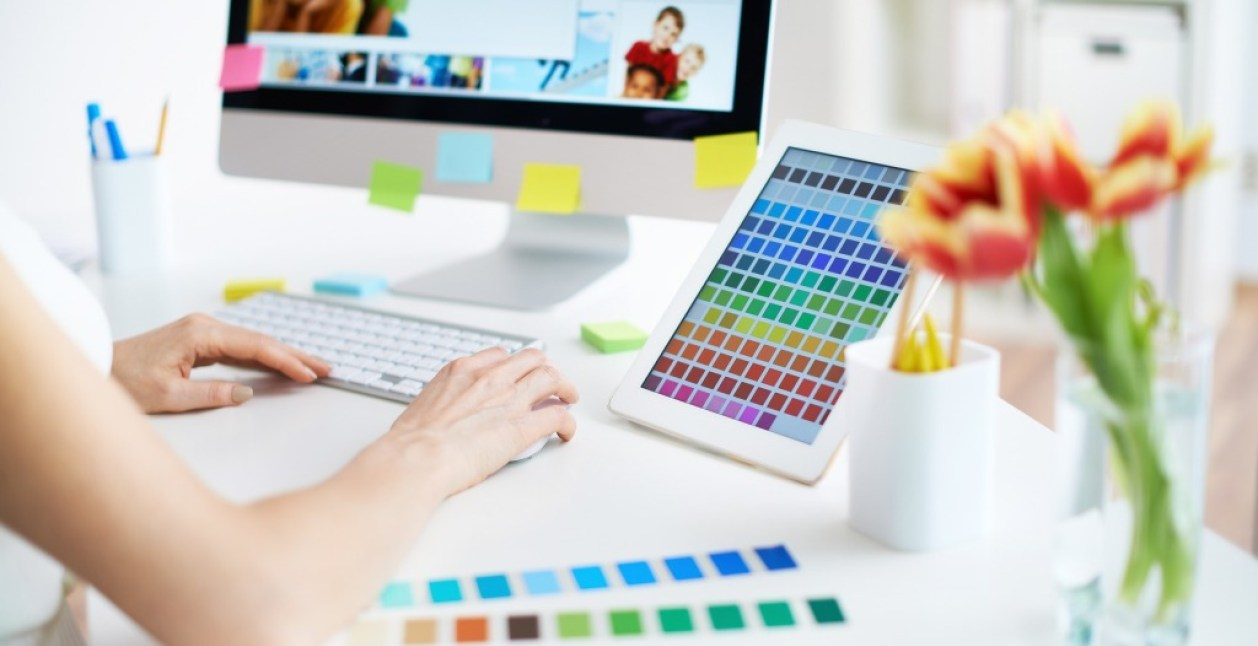 photodune-4161189-working-with-colors-m-e1440133261678-1024×527